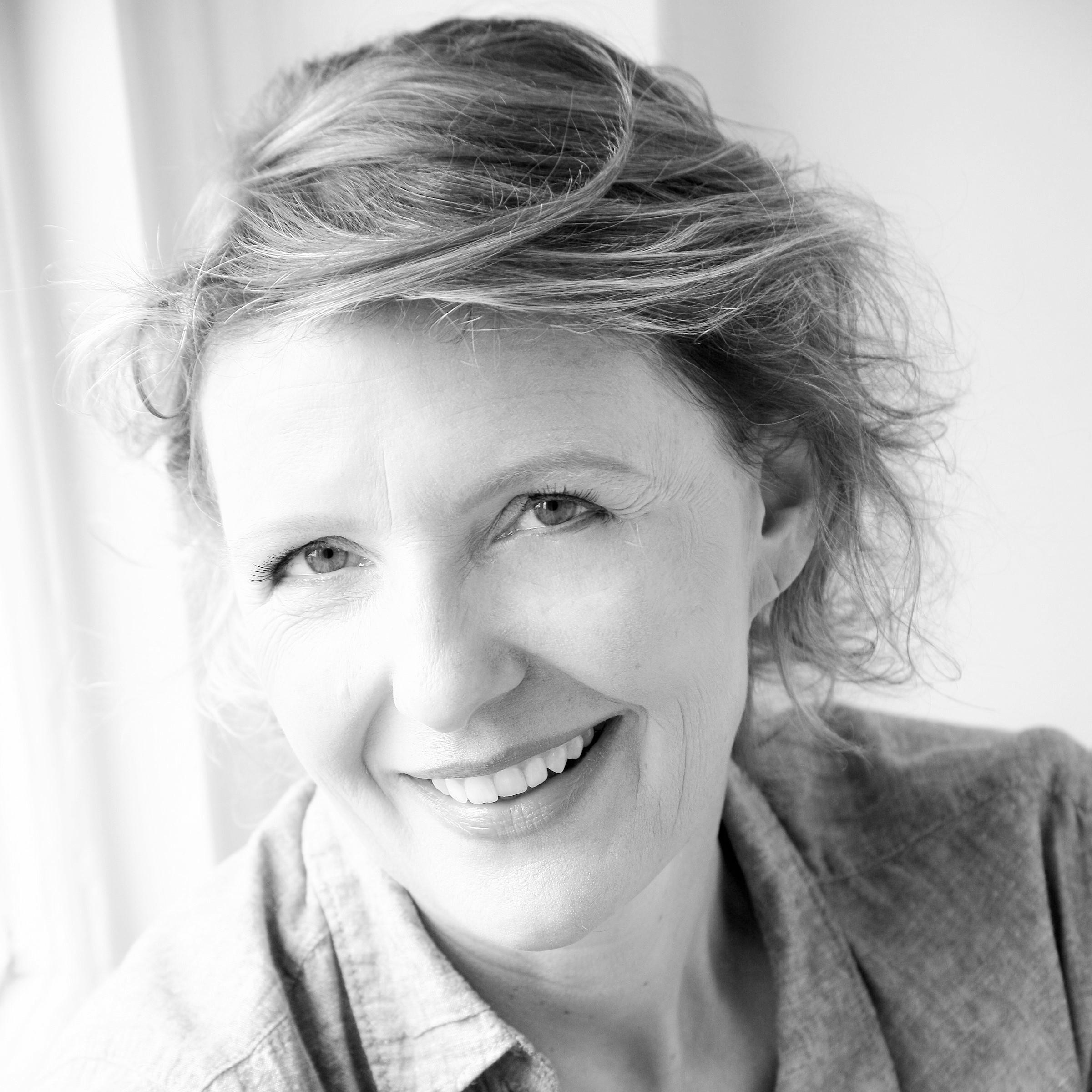 Dr Heike Bartel